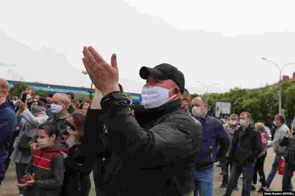 People react during the Minsk protest on May 24.
