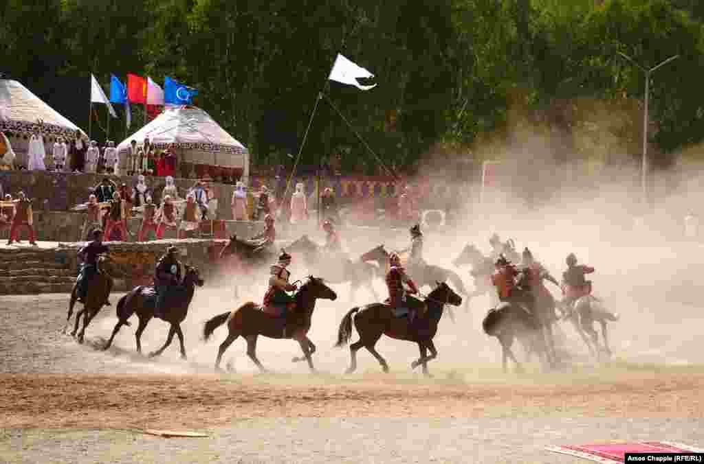 This year marks the last time Kyrgyzstan will host the biannual event, at least for a while. Turkey's decision to host the 2020 Nomad Games was confirmed on September 1, after talks between Turkish President Recep Tayyip Erdogan and his Kyrgyz counterpart, Sooronbai Jeenbekov.