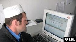 Azərbaycan internetin düşməni olmasa da, dostuna da çevrilə bilmir