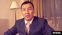 Бейжіңдегі Ұлттар баспасының үйлестірушісі Айқын Әбікенұлы. Астана, 1 желтоқсан, 2008 жыл.