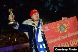 Мухит Турсынов, победитель турнира «Казахстан барысы». Астана, 29 июня 2014 года.