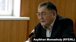 Рысбек Сарсенбай, гражданский активист и главный редактор газеты «Жас Алаш», на суде. Алматы, 4 марта 2016 года.
