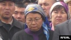 Жители Бишкека, апрель 2010 г