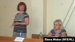 Медиаторы выступают в суде города Темиртау. 14 июня 2013 года.
