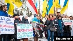 Акція протесту у столиці Польщі проти агресії Росії щодо України. Варшава, 1 лютого 2015 року (ілюстраційне фото)