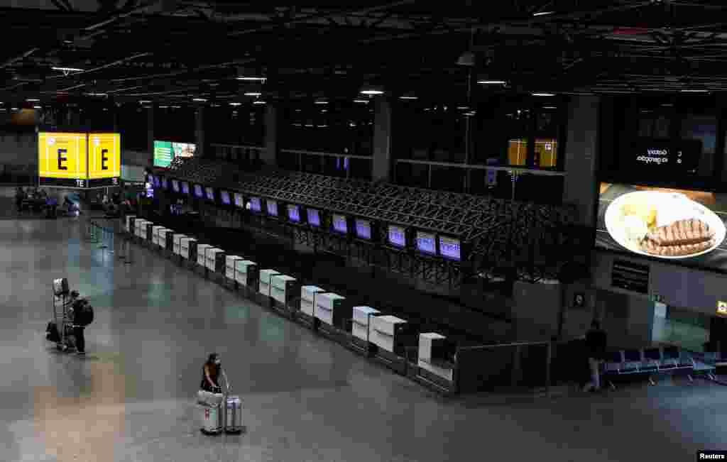 Аэропорт в Гуарульюс, Бразилия. 1 апреля 2020 года