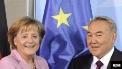 Канцлер ФРГ Ангела Меркель и президент Казахстана Нурсултан Назарбаев.