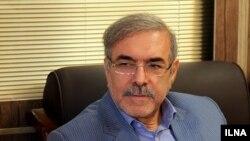 مرتضی بانک میگوید که دریافت مالیات بر ارزش افزوده از نهادهای زیر نظر رهبری در برنامههای دولت حسن روحانی است