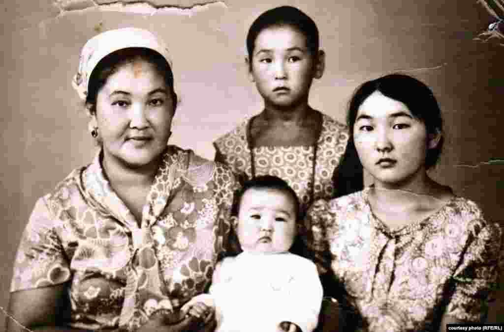Вице-мэр Бишкека Айгуль Рыскулова в 9-летнем возрасте.