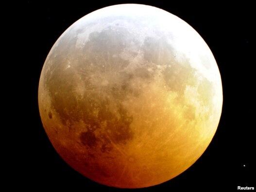 تصویری از آغاز ماهگرفتگی، ۲۱ دسامبر ۲۰۱۰