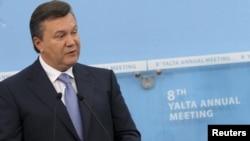 """Виктор Янукович пригласил на территорию Украины проект """"Южный поток"""". Москва сочла предложение неприемлемым."""