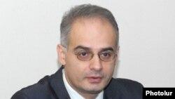 Լեւոն Զուրաբյան