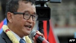 Камбоджа оппозициясының лидері Сам Раинси.