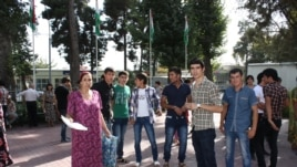 Tajikistan -- Tajik students protest in Dushanbe, 30Aug2012