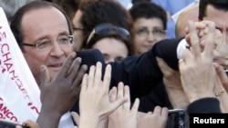 Hollande na predizbornom skupu