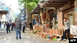 Место взрыва в турецком город Бурса, 27 апреля 2016 года.