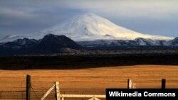 İslandiyadakı Hekla vulkanı