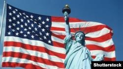 Сьцяг ЗША і cтатуя Свабоды