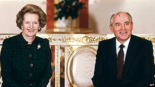 British Prime Minister Margaret Thatcher poses with Soviet leader Mikhail Gorbachev in Moscow in 1987.