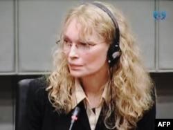 Mia Farrow svjedoči na Tribunalu za ratne zločine 2010. godine.