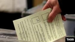 Голосование на одном из участков во время «референдума» в Севастополе. 16 марта 2014 года