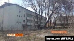 Здание базы ФК «Таврия», Бахчисарайский район, Крым
