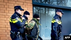 Нидерланд полициясы (Көрнекі сурет).