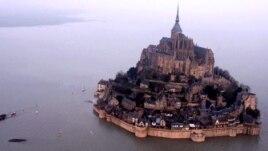 Qədim fransız monastırının adaya çevrilməyi-video