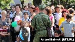 Усилия республики с ограниченным статусом должны состоять в том, чтобы про нее узнали в мире не только как про большую российскую военную базу на Южном Кавказе, но и как про республику, у которой есть свои наука, культура, традиции. Узнали как про страну, где живут приличные люди