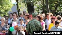 С правами ребенка в Южной Осетии проблемы, конечно, есть, но прежде, чем начать решать их, наверное, имеет смысл улучшить ситуацию с правами взрослых
