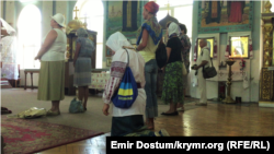 A prayer service on the occasion of the 24th anniversary of Ukrainian independence is held on August 24, 2015, in the Cathedral of Volodymyr and Olha in Simferopol.