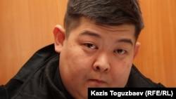 Алдаяр Исманкулов, подсудимый по делу об убийстве кыргызского журналиста Геннадия Павлюка. Алматы, 7 февраля 2012 года.