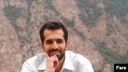 Иранскиот нуклеарен научник Мустафа Ахмади Рошан кој загина во вчерашниот бомбашки напад во Техеран