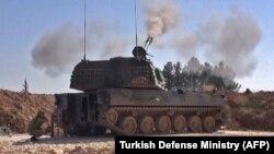 Фото Міноборони Туреччини, за повідомленням, показує роботу турецької самохідної артилерії по цілях сирійського режиму, Ідліб, Сирія, 28 лютого 2020 року