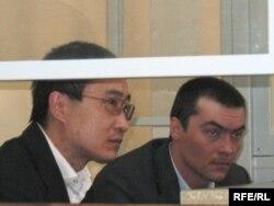Олег Евлоев пен Дмитрий Тян сотта отыр. Астана, 31 наурыз 2009 жыл.