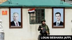 پلیس نظامی ارتش روسیه در تصویری از مارس سال جاری میلادی در پاسگاهی نزدیک دمشق