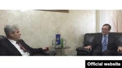 Претседателот на ДУИ, Али Ахмети се сретна со американскиот амбасадор Џес Бејли.