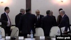 Azərbaycan, Bir sıra siyasi partiya nümayəndələrinin Prezident Administrasiyası nümayəndələri ilə görüşü, dekabr 2014