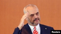 Албанскиот премиер Еди Рама