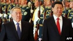 Қазақстан президенті Нұрсұлтан Назарбаев пен Қытай президенті Си Цзиньпин. Астана, 7 мамыр 2015 жыл.