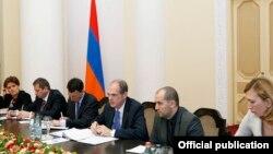 ԱՄՀ պատվիրակությունը Հայաստանի վարչապետի հետ հանդիպման ժամանակ, Երևան, 30-ը սեպտեմբերի, 2014թ․
