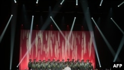 Ансамбль російської армії імені Александрова під час гастролей у Парижі в 2015 році