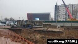 Ташкент метросының құрылыс алаңы.