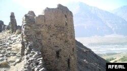 Бозмондаҳои қалъаи қадимае дар Ямчун, Бадахшон