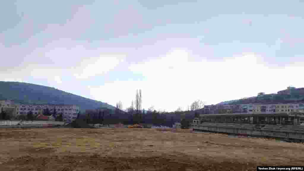 Стадион «Горняк», который обещают реконструировать к концу 2020 года