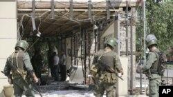 Как утверждает глава МВД Чечни Руслан Алханов, смертники, переодетые в форму полицейских, готовили гораздо более масштабные теракты
