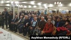 Участники собрания инициативной группы по созданию Демократической партии. Алматы, 14 декабря 2019 года.