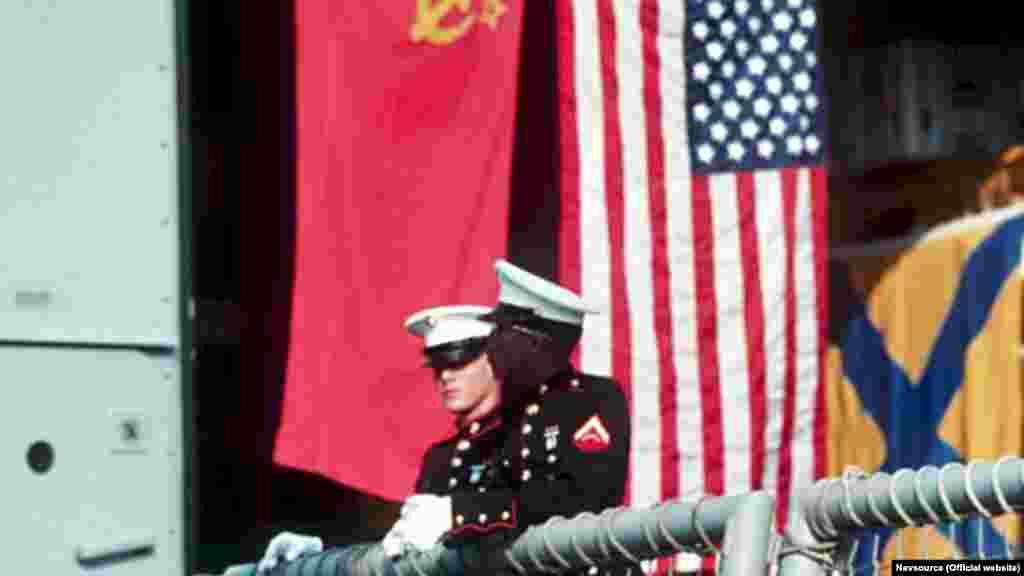 Через чотири місяці –3 грудня 1989 року –на круїзному судні біля берегів Мальти американський президент Джордж Буш і радянський лідер Михайло Горбачов оголосили про закінчення холодної війни. Ще через два роки Україна проголосила незалежність. Наступні візити американських кораблів до Севастополя відбувалися в рамках військового співробітництва США та незалежної України, їх було кілька десятків