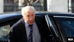 Ndërmejtësuesi i OKB-së Matthew Nimetz gjatë vizitës në Shkup