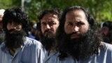 Одни из последних пленных талибов, захваченных американскими войсками в Афганистане. База Баграм. 26 мая 2021 года
